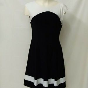 CHAPS Women's M black and white dress sleeveless